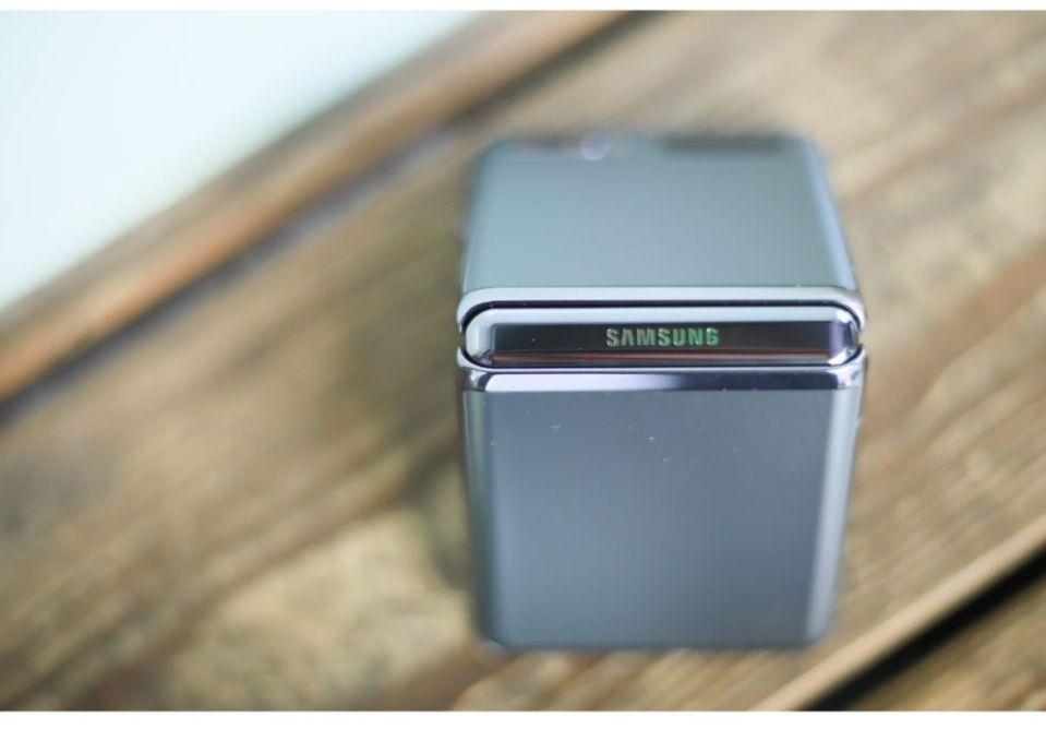 【开箱】三星Galaxy Z Flip 5G摺叠机 天生难以低调