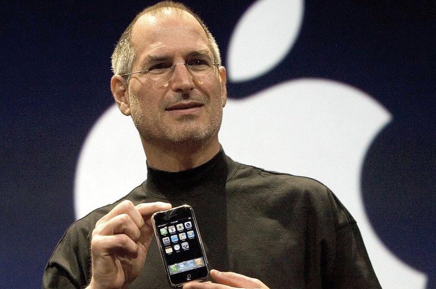 历史上的今天 2007年6月29 世界上第一部iPhone开始销售